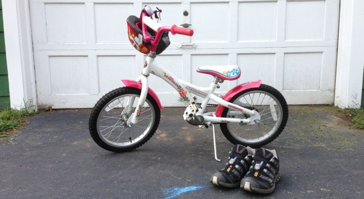 "[title ""R's bike and my shoes""]"